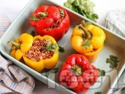 Пълнени чушки по мексикански с говежда кайма, домати и ориз - снимка на рецептата